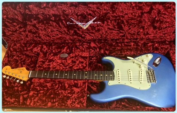 Fender® Custom Shop 62 Strat Journeyman Lake Placid Blue
