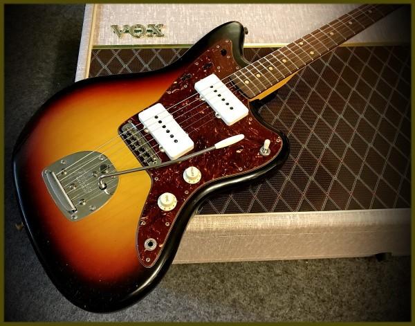 Fender® Custom Shop '62 JazzmasterJourneyman Relic 3-Tone