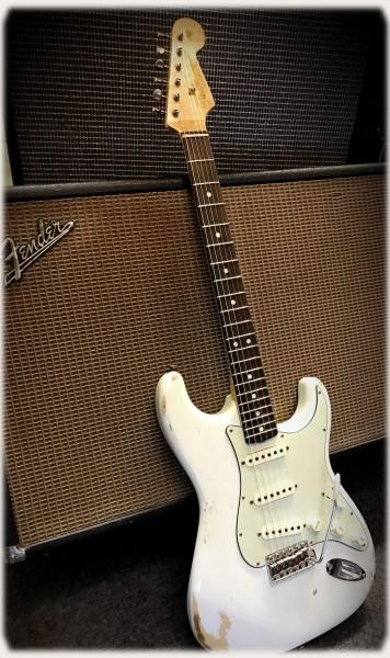 Fender® Custom Shop Masterdesign '65 Strat, Relic DW,