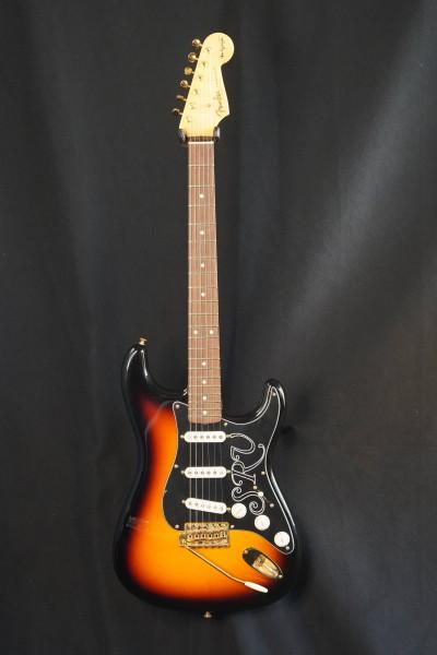 NEU! Fender® Custom Shop SRV Signature Strat NOS