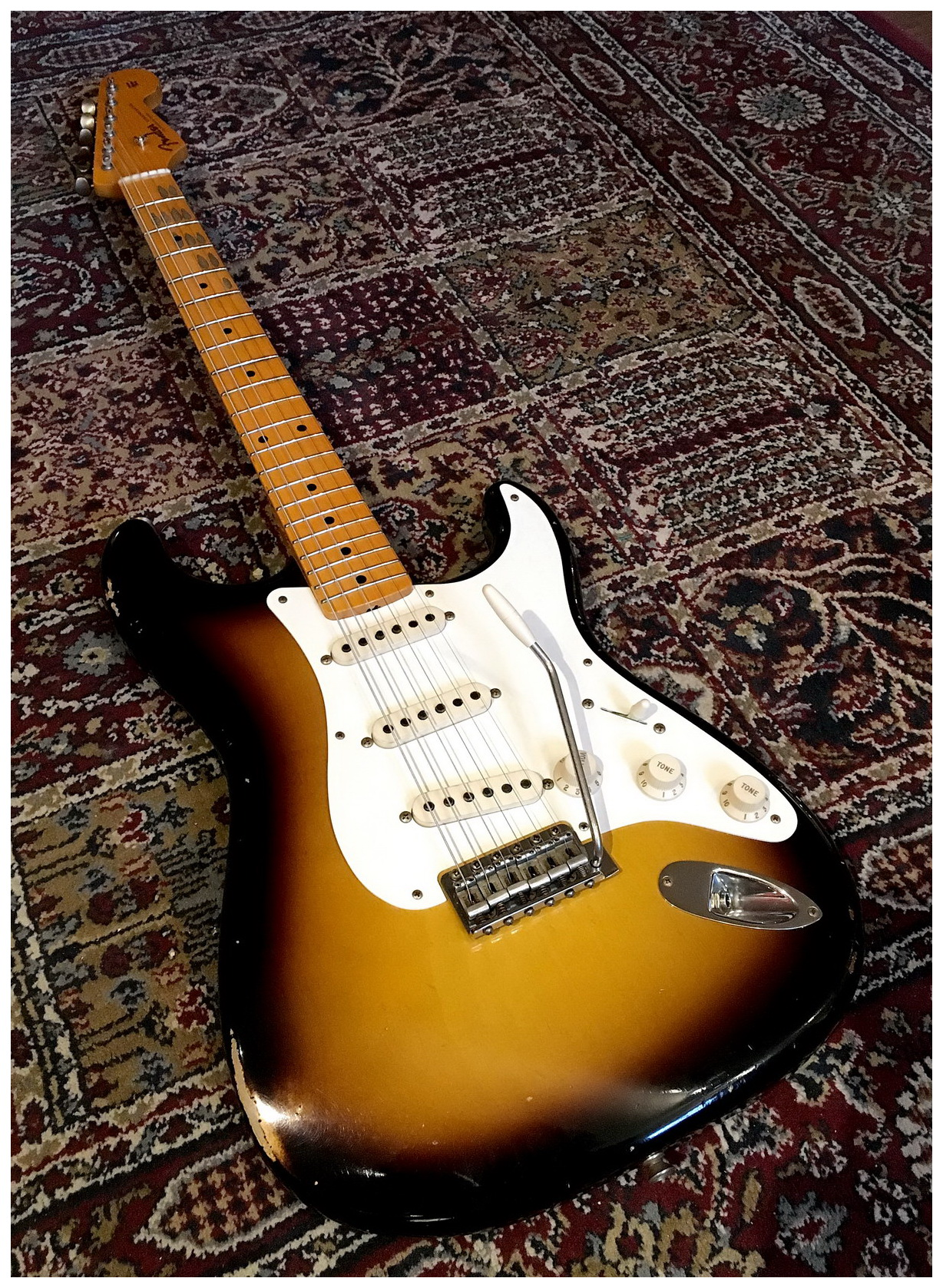 Fender Custom Shop Dealer\'s Select \'55 Strat Relic 2 Tone Sunburst ...