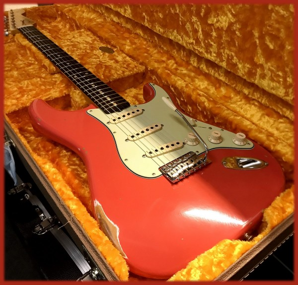Fender® Custom Shop '60 Strat Relic Fiesta Red - Dealer Select